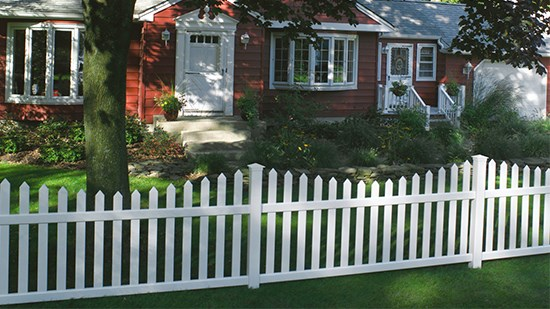 Why should I choose vinyl fence over wood? | CertainTeed
